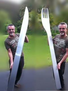 Oversize knife and fork