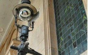 St Paul's gas lantern
